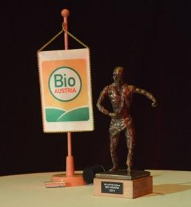Bio-Award-statue