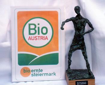 statue2