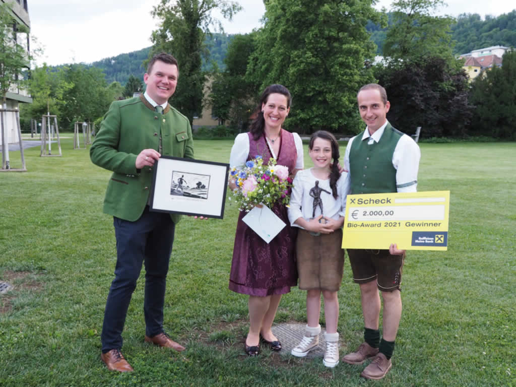 """Anton Donnerer und Daniela Haller """"pur Naturhof"""" Gewinner Bio Award Steiermark 2021"""